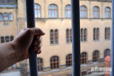 odbycie kary pozbawienia wolności zpozdrowieniem